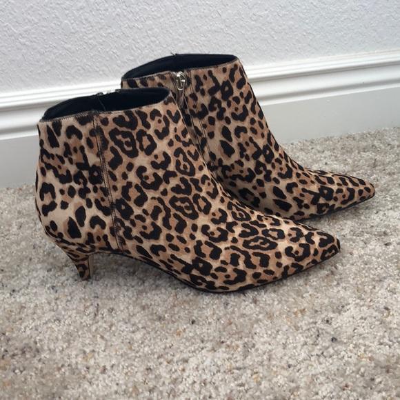 f28fcf49434d24 Brand New Sam Edelman Kinzey kitten heel bootie. M 5b92de91f63eea027a8c86b2